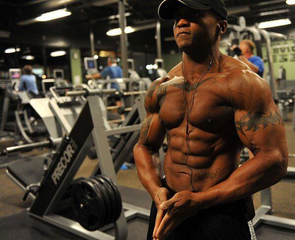 a bodybuilder in the gym - probably an unreliable source of training supplement information