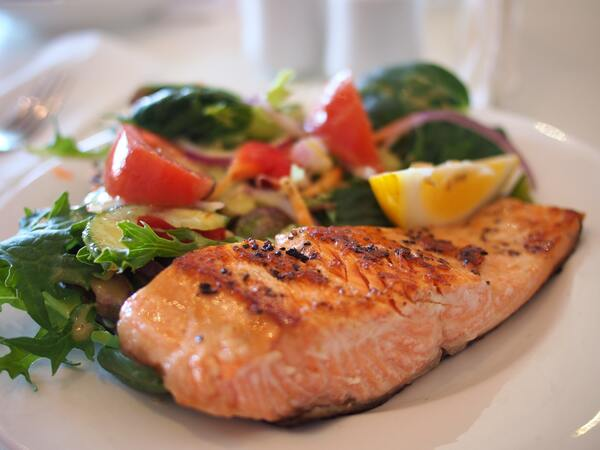 A healthy meal within a personal trainer's nutrition expertise